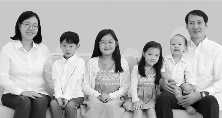 김선경 가족사진.jpg